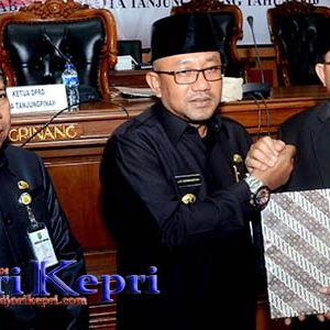 """Ini Rekomendasi DPRD Tanjungpinang """"ATAS LKPj WALIKOTA TANJUNGPINANG TAHUN 2016"""" 3"""