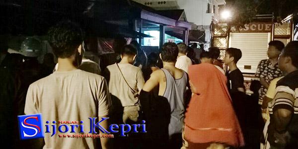 "Rumah di Belakang Swalayan Pinang Lestari ""TERBAKAR"" 1"