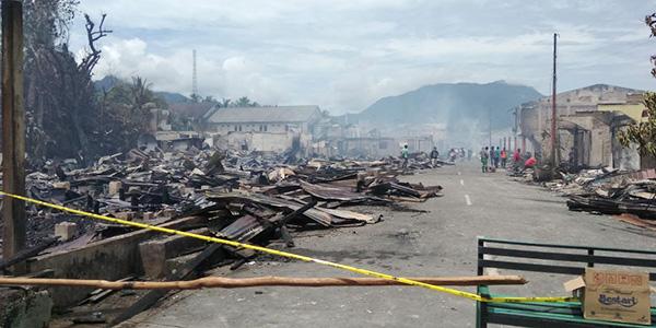 """Kebakaran di Kampung Cina """"HANGUSKAN 59 BANGUNAN"""" 1"""