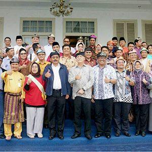 "Nurdin Jamu Makan Siang ""PESERTA RDM 2017"" 4"