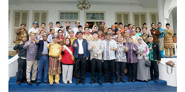 "Nurdin Jamu Makan Siang ""PESERTA RDM 2017"""
