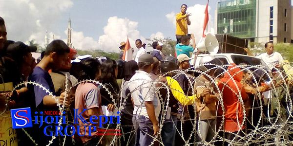 "Warga Baloi Kolam Demo BP Batam ""INI TUNTUTANNYA"" 1"