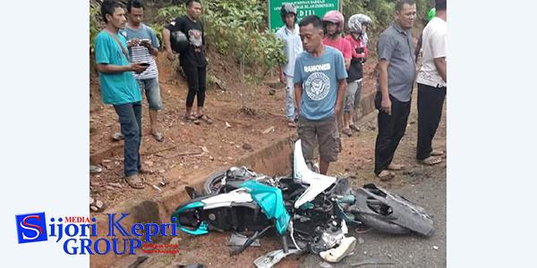 """Motor Yamaha Adu Kambing Dengan Lori """"DUA WANITA KRITIS"""" 1"""