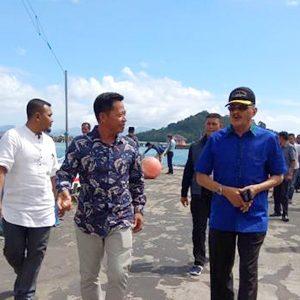 Bupati Natuna, H Abdul Hamid Rizal, tiba di Kota Terapung Sedanau, Kecamatan Bunguran Barat