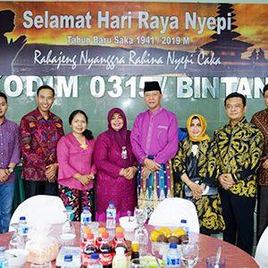 Syahrul - Rahma Hadiri Open House Perayaan Nyepi Dandim 0315/Bintan 10