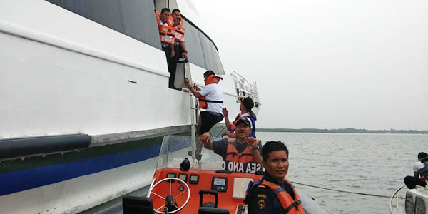 Kapal Ferry Kandas di Perairan Bintan, 38 Warga Asing Panik