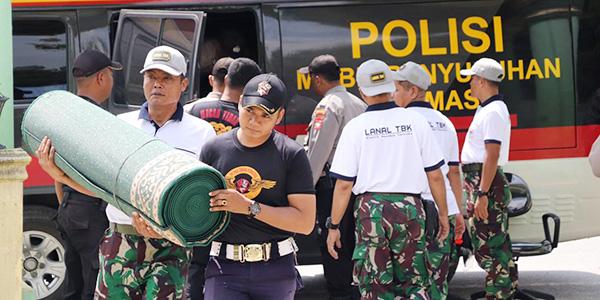 TNI dan Polri di Karimun Gelar Baksos Bersama 1
