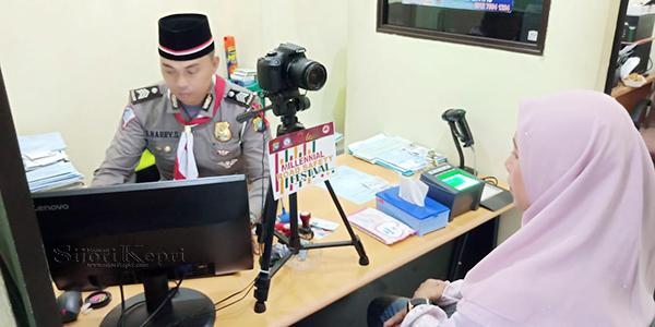 HUT RI ke 74, Satlantas Polres Karimun Berikan SIM Gratis 1