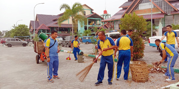 Kabag Sumda dan Kapolsek Balai Pimpin Kegiatan World Cleanup Day 1