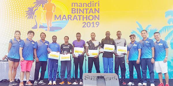 Pelari Kenya Juara Mandiri International Bintan Marathon 2019
