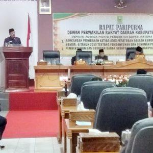 Bupati Natuna, Hamid Rizal, menyampaikan pidato Rancangan Perubahan Ketiga Atas Peraturan Daerah Kabupaten Natuna No 6 Tahun 2016
