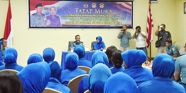 Kunker Ke Lanal Batam, Danlantamal IV Ingatkan Para Istri Prajurit