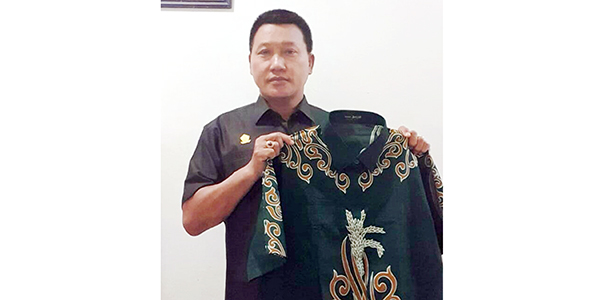 Pengadaan Baju Batik Anggota DPRD Bintan Menuai Protes