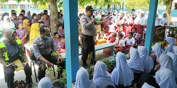 Polres Bintan Sosialisasi Bahaya Virus Corona ke SDN 1 Tanjung Uban