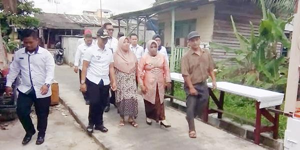 Rahma Tinjau Pembangunan Rumah Nenek Salmah 1