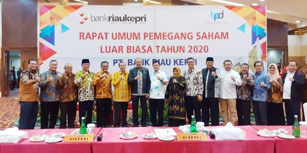 Rahma Hadiri RUPSLB Bank Riau Kepri di Pekanbaru