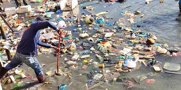 Walikota Apresiasi Warga Gotong Royong Bersihkan Sampah di Laut