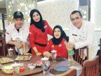 Kabid Kepemudaan Yeni Isabela bersama Kasubid Kepemudaan Riza Satya Putri disela-sela acara Penyuluhan Narkoba