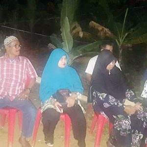 Turut hadir di rumah duka para guru SMPN 7 Tanjungpinang