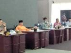 Jam Terbang Pejabat Tinggi, Rapat Pemkab Bintan Berjarak 1,5 Meter 8