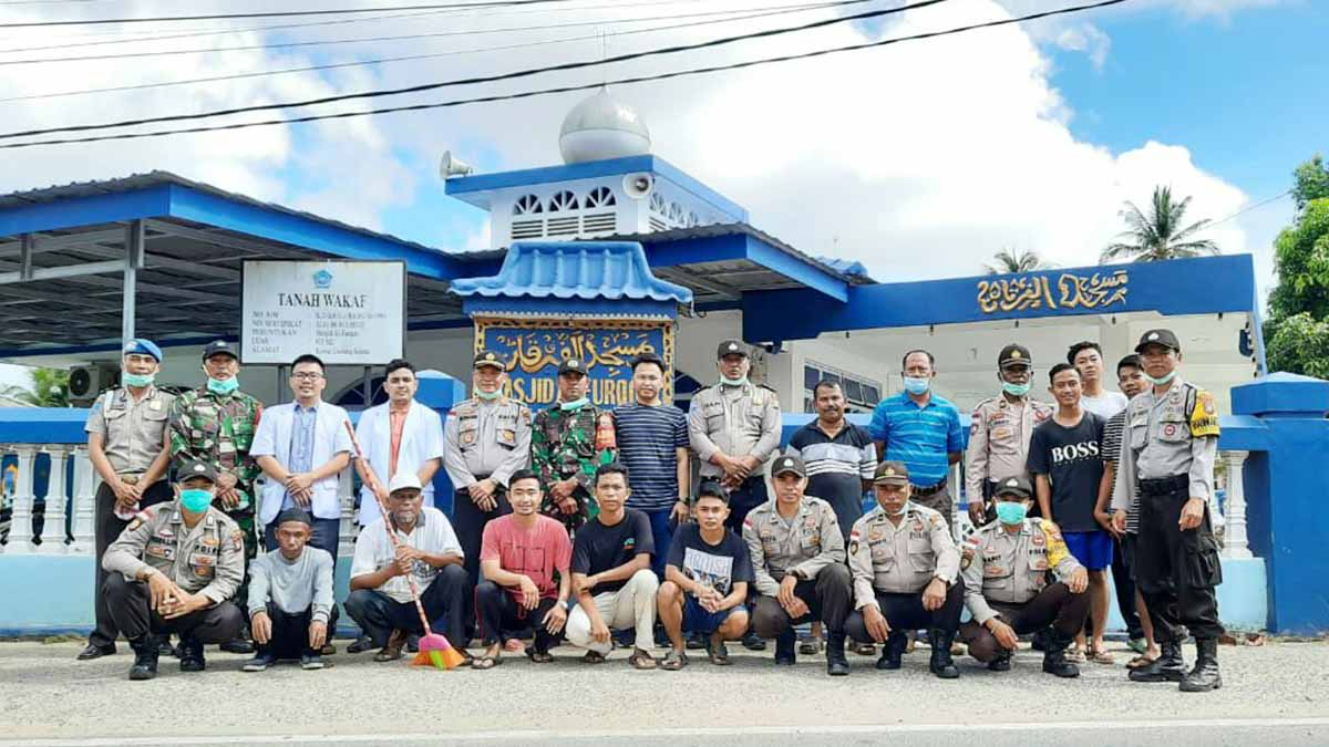 Cegah Virus Corona, Polisi, TNI, dan Warga Gelar Cipkon Sehat dan Bersih 1