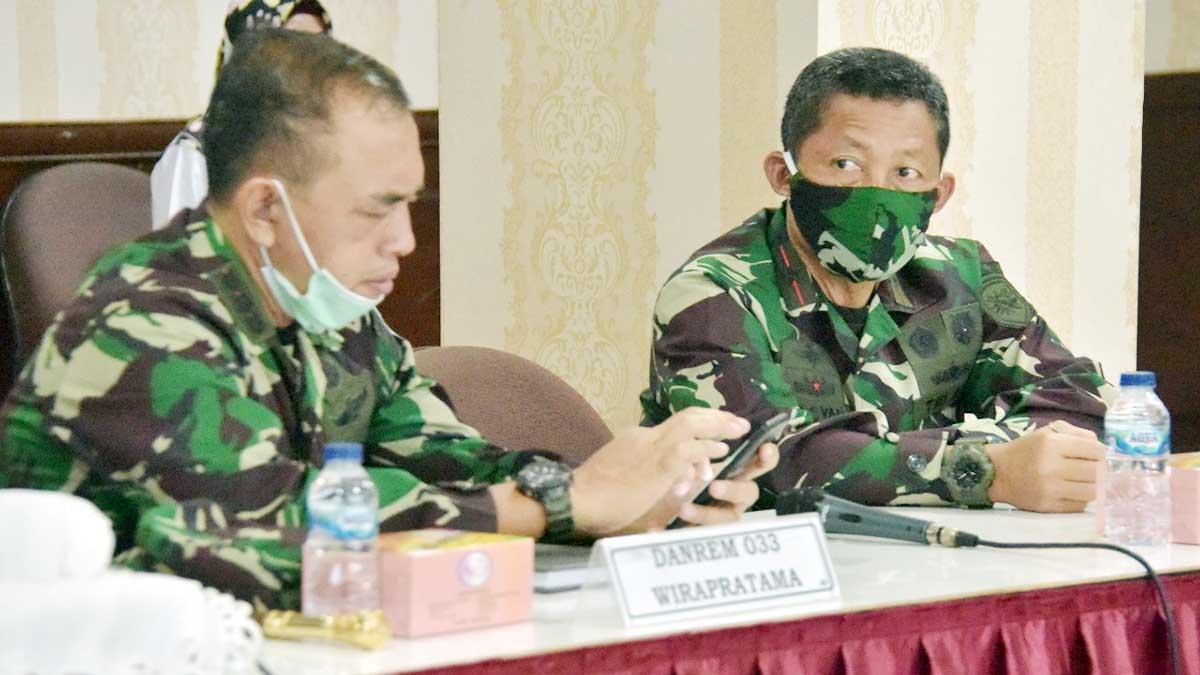 Danlantamal-IV-Tanjungpinang-Laksamana-Pertama-TNI-Arsyad-Abdullah-bersama-Danrem-033-WP-Kolonel-Inf-Harnoto