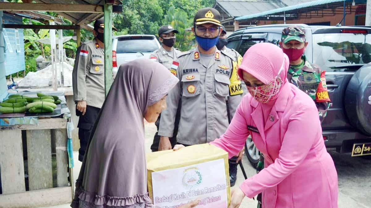 Bhayangkari Natuna Berbagi Dengan Pensiunan Polisi dan Warakawuri 1