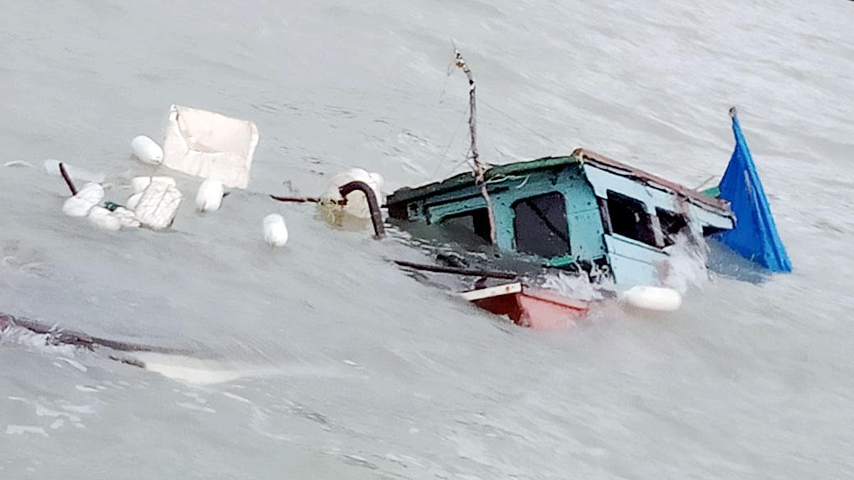 Kemudi Patah, Kapal Ini Tenggelam Dihantam Gelombang 2