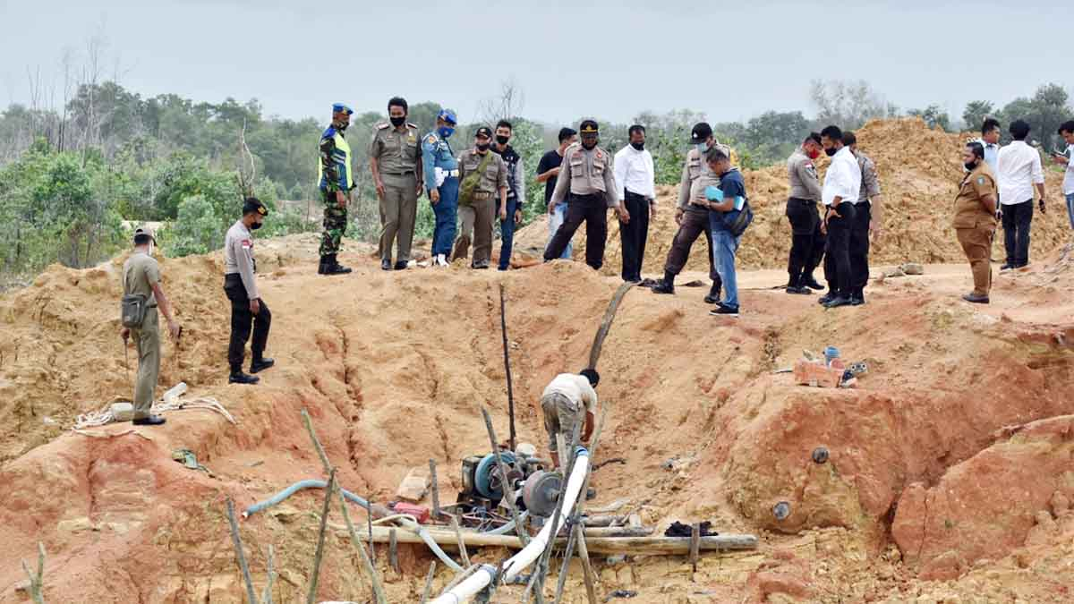 Tambang Pasir di Bintan Dihentikan, 1 Pelaku Ditangkap, 22 Mesin dan 2 Unit Eskapator Disita 49