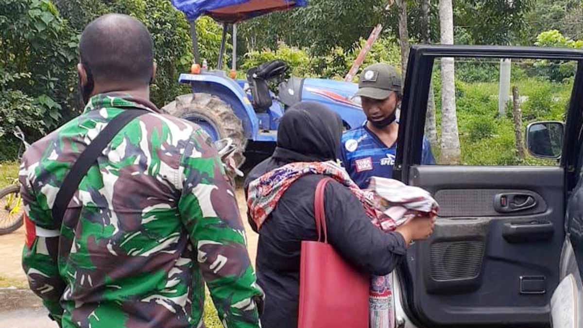 Warga Sampaikan Ucapan Terima Kasih Kepada Babinsa Desa Harapan Jaya 1
