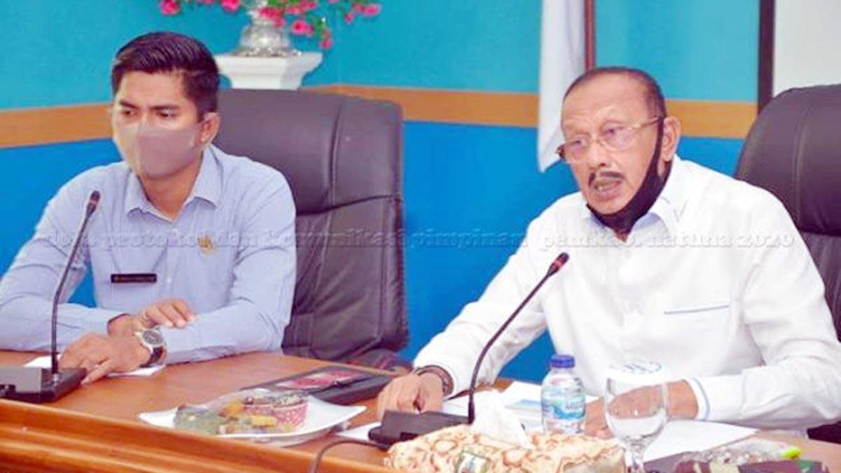 Bupati Natuna, H Abdul Hamid Rizal, didampingi Ketua DPRD Natuna, memimpin Rapat Panitia Pelaksana Peringatan Hari Ulang Tahun (HUT) Kemerdekaan RI Ke 75 Tahun 2020