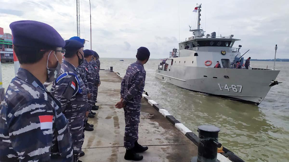 Kapal TNI AL Pelalawan Siap Amankan Perairan Karimun 5