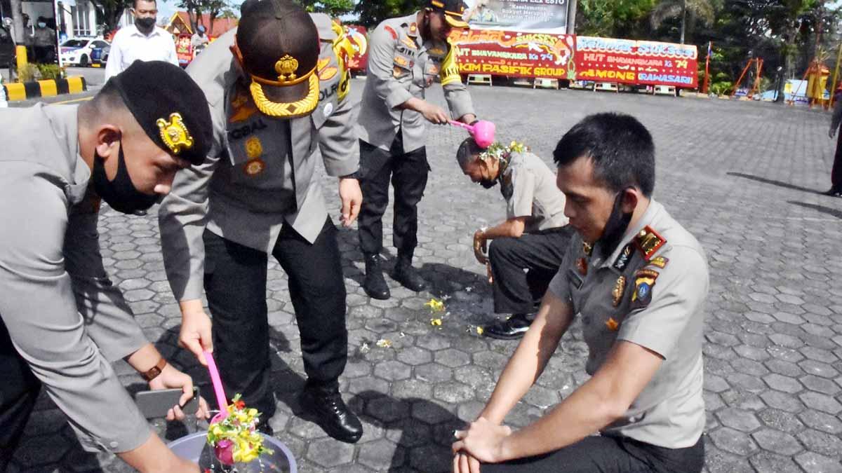 41 Personel dan PNS Polres Tanjungpinang Naik Pangkat 1