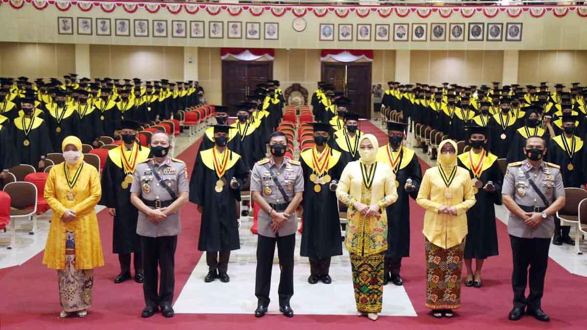 Kapolri Ingatkan Taruna Polri Baru, Jangan Sombong Dengan Pangkat, Hormati Senior dan Anggota 3