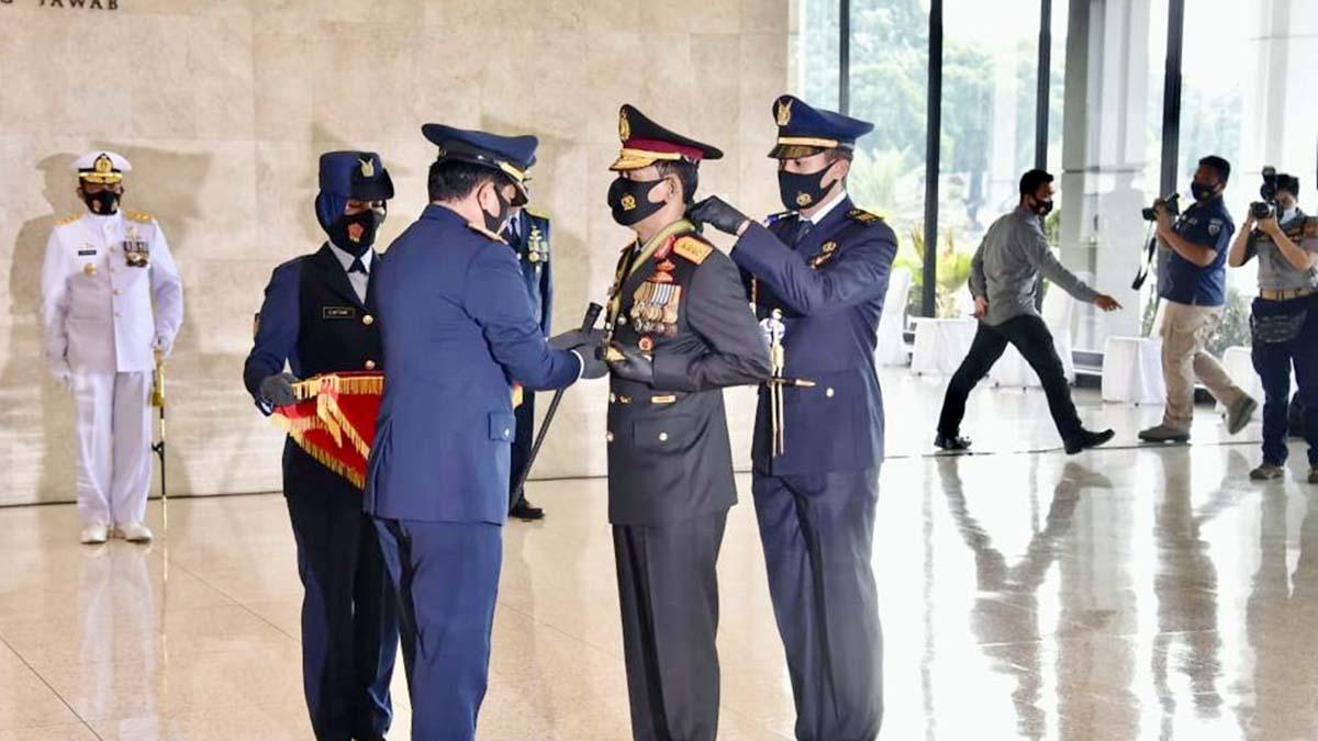 Berjasa Majukan TNI AD, AL dan AU, Kapolri Dianugerahi Tiga Bintang Utama 51