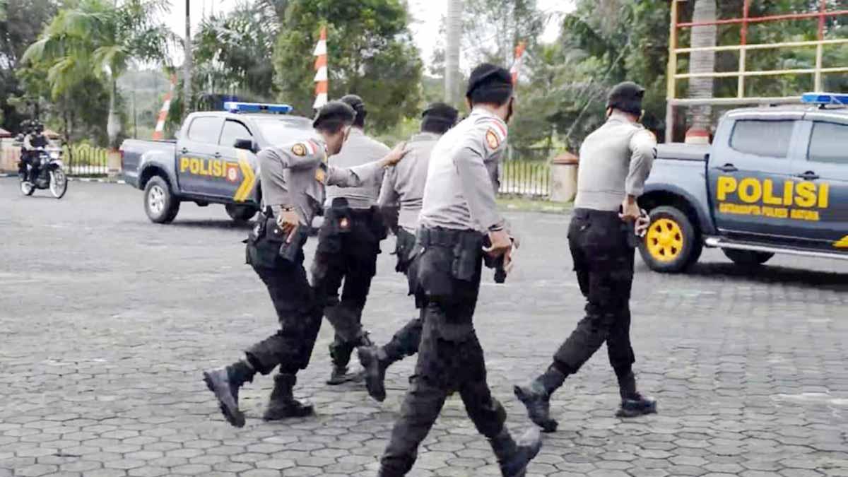 Polres Natuna Laksanakan Simulasi Pengamanan VIP dan Latihan Dalmas 6
