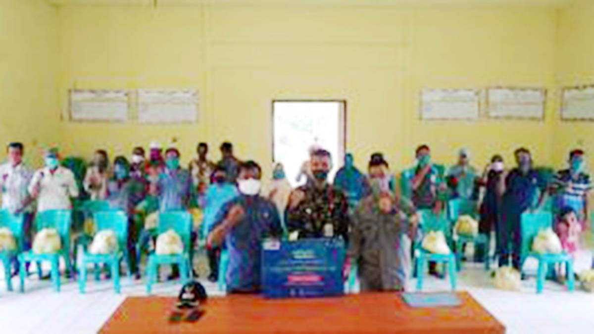 Sekda Natuna Terima Bantuan 1000 Paket Sembako dari Karyawan XL Axiata - BROL dan Bakamla 4
