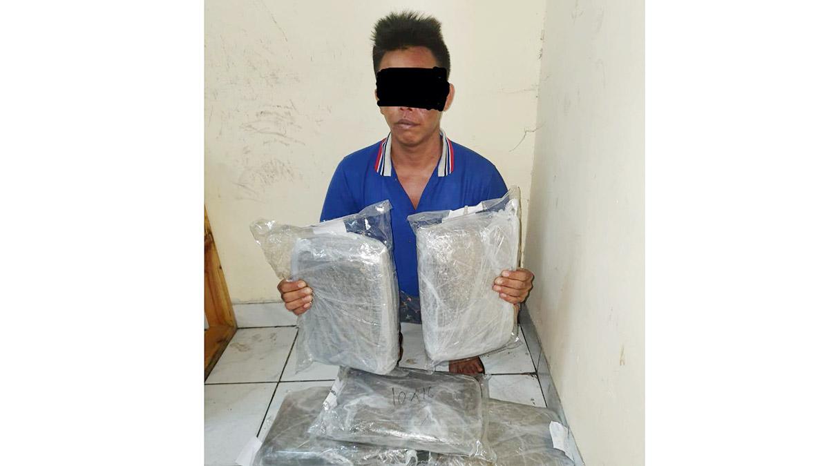 Pengedar 6,8 Kilogram Ganja Ditangkap di Batam 1