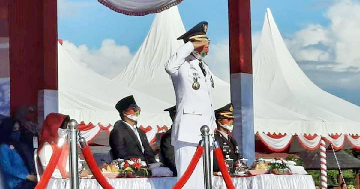 Bupati Natuna, H Abdul Hamid Rizal, bertindak sebagai Inspektur Upacara (Irup) HUT RI Ke 75