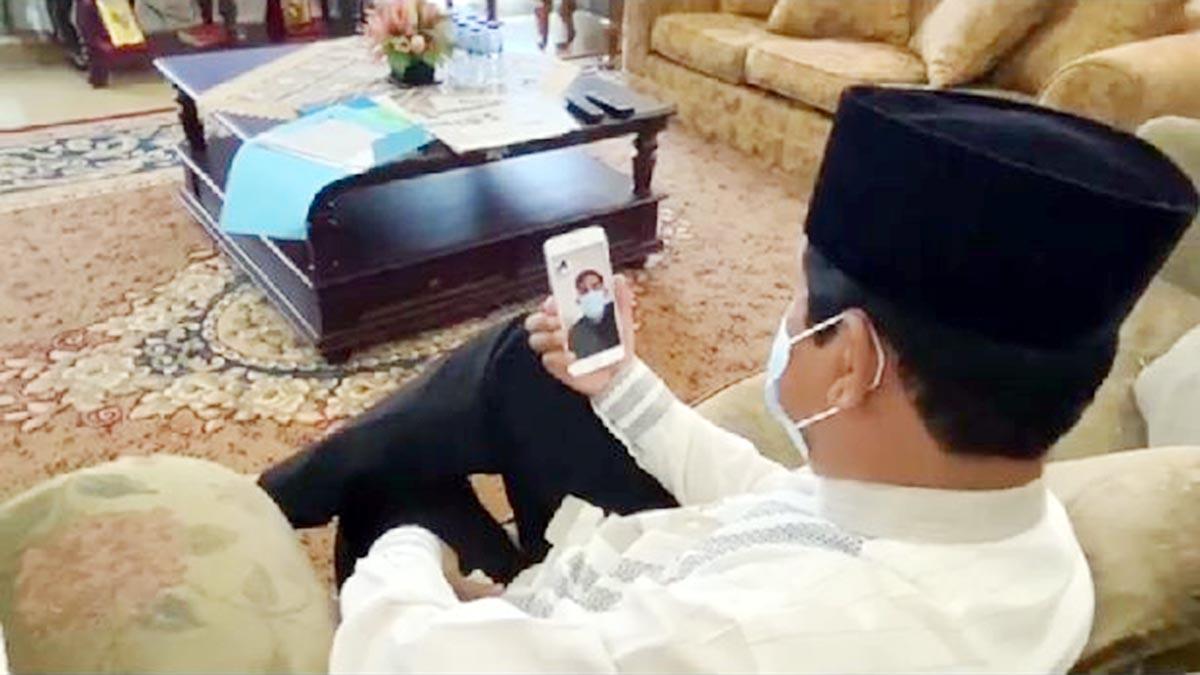 Gubernur Kepri Beri Semangat Pada Pengawalnya Yang Positif Covid 19 7