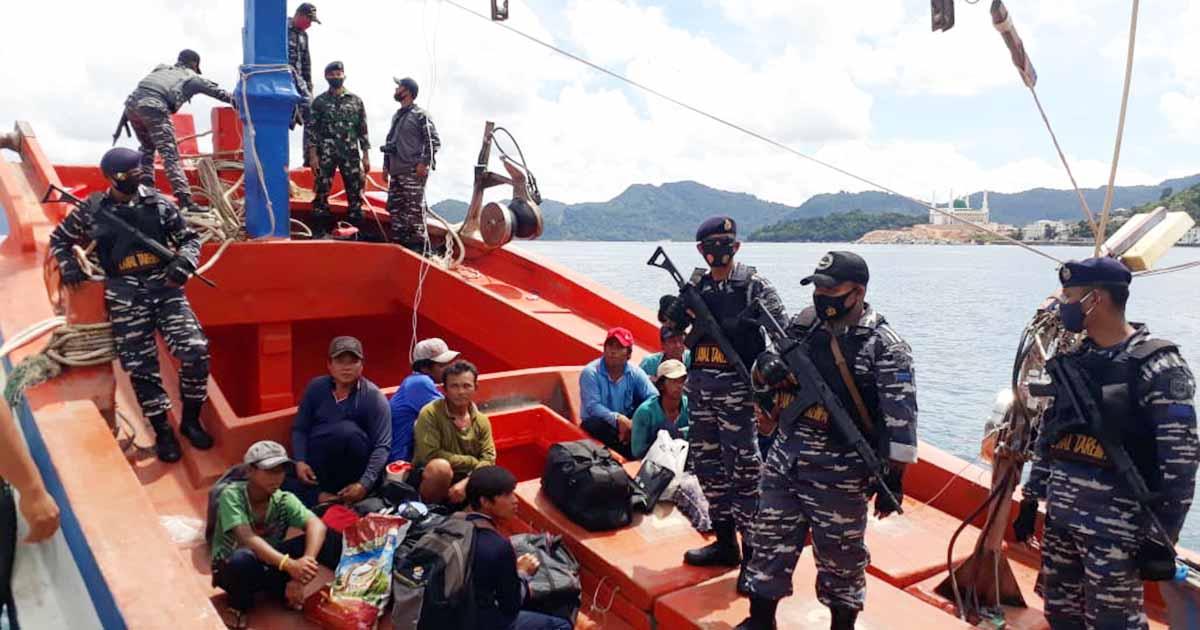 Curi Ikan, KRI Bung Tomo 357 Amankan Kapal Vietnam dan 12 ABK 2