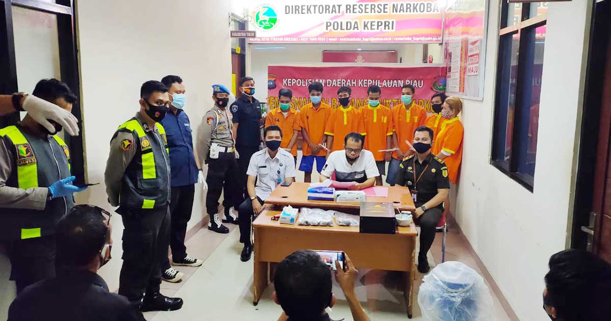 Dari 7 Tersangka, Ditresnarkoba Polda Kepri Musnahkan 1,098,77 Kilo Sabu 5