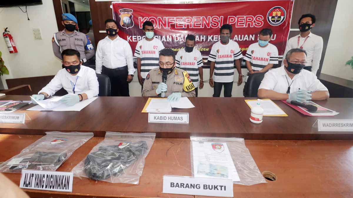 Resahkan Warga, 4 Preman Ditangkap Tim Jatanras Polda Kepri 46