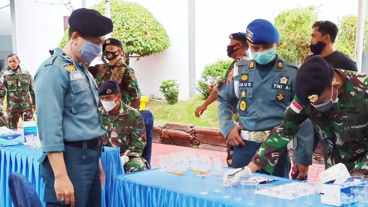 Mendadak, Prajurit dan PNS Lanal Karimun di Tes Urine 72