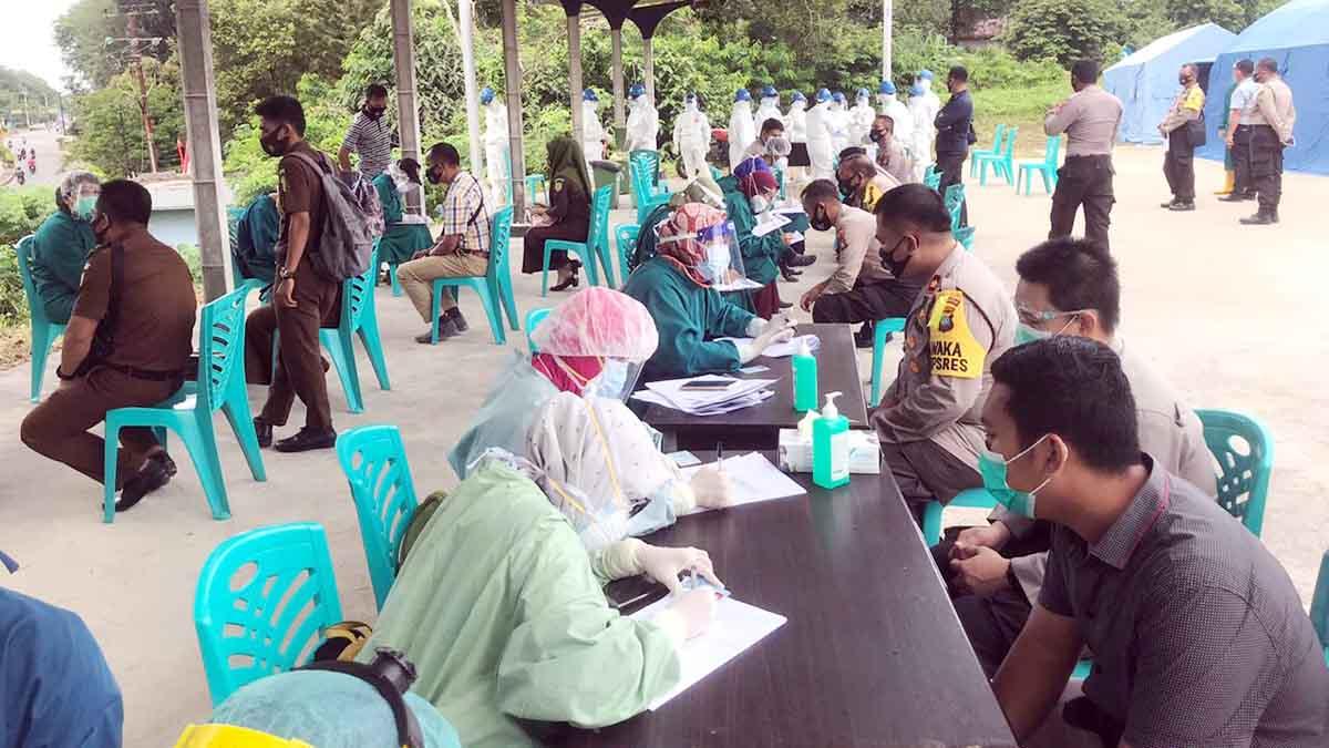 40 Personil Polres Bintan Lakukan Swab Covid 19 5