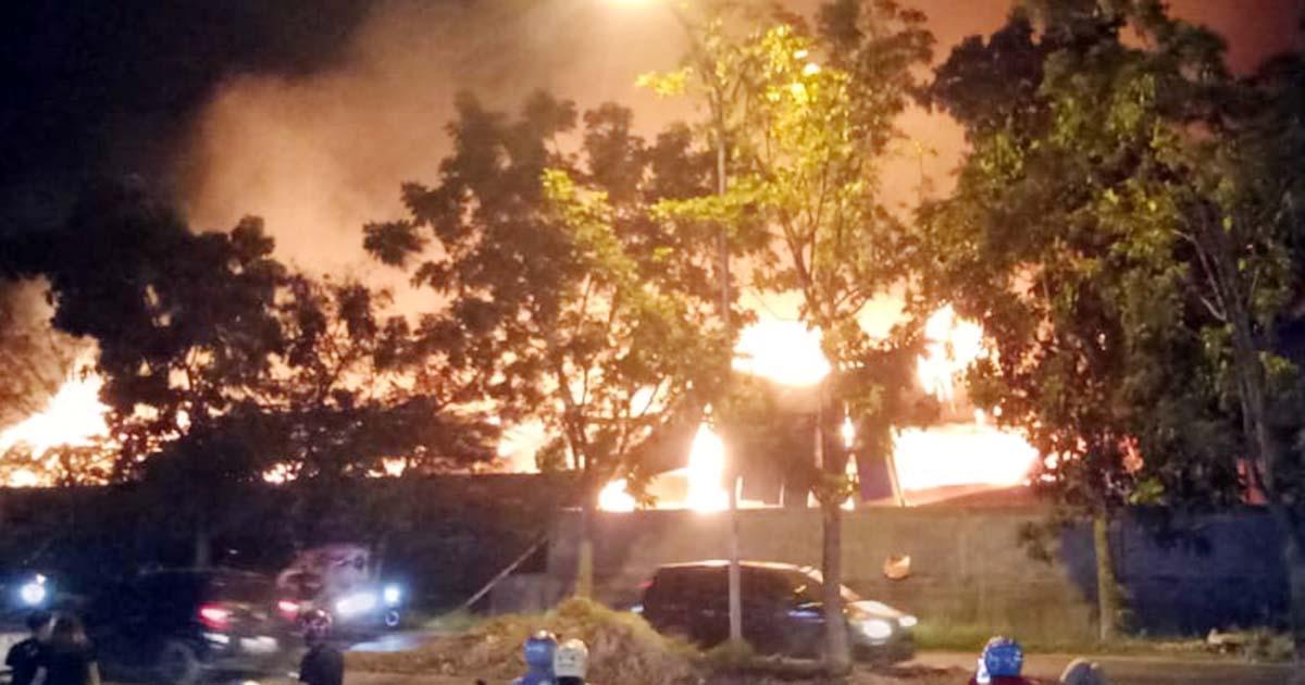 Cari Penyebab PT Dehong Paper Industry Terbakar, Polresta Barelang Libatkan Tim Labfor Medan 3