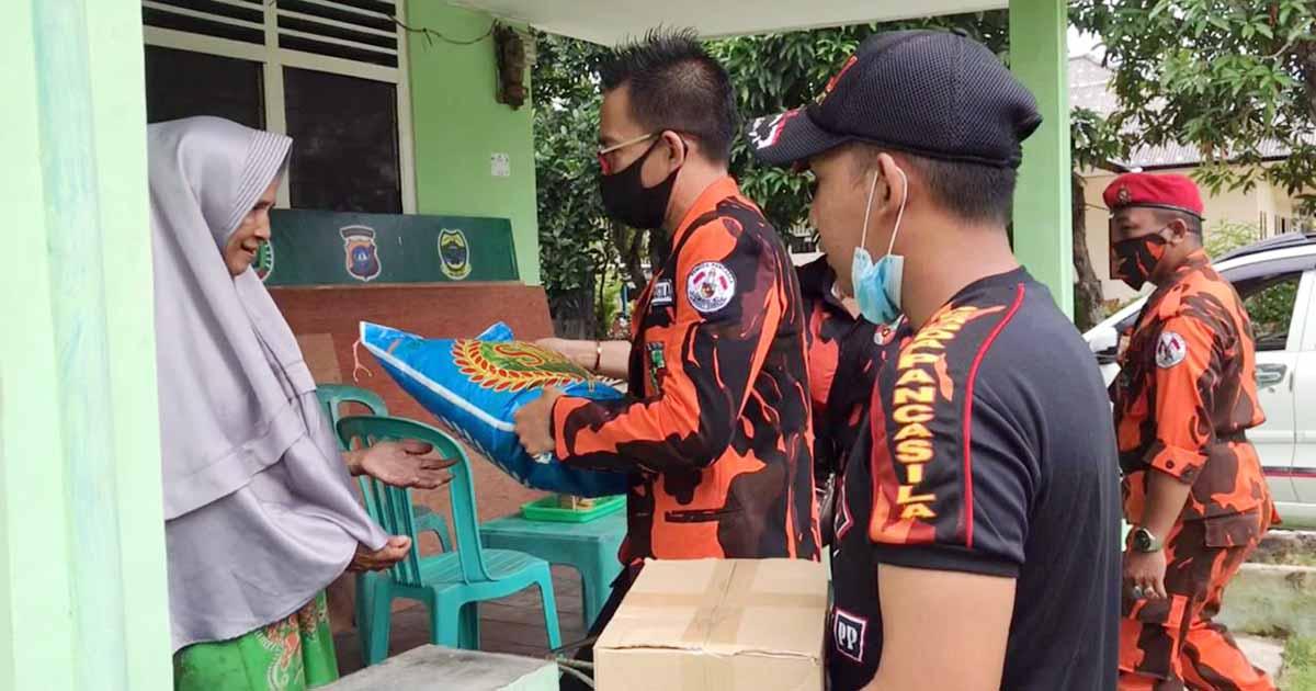 Pemuda Pancasila dan Srikandi Sambangi Keluarga Pejuang Lingga 1
