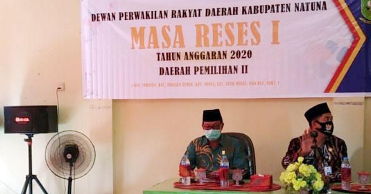 Anggota DPRD Natuna, H Pang Ali, jemput langsung Aspirasi Masyarakat (Asmara) Kecamatan Serasan Timur di ruang pertemuan Kantor Camat Serasan Timur, Kabupaten Natuna