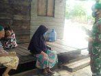 Babinsa Desa Sebadai Hulu Imbau Warga Jaga Kebersihan, Pakai masker dan Laksanakan Protokol Kesehatan Covid-19 3