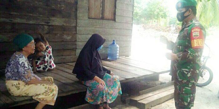 Babinsa Desa Sebadai Hulu Imbau Warga Jaga Kebersihan, Pakai masker dan Laksanakan Protokol Kesehatan Covid-19 21